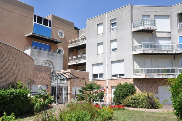 Maison de retraite bellevue bourges good le contre la for Appartement maison de retraite